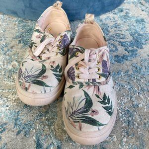 H&M Pink floral patterned sneakers